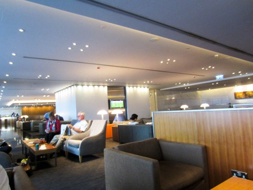 hong kong cathay pacific lounges
